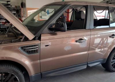 Fase preparazione carrozzeria Range Rover per wrapping