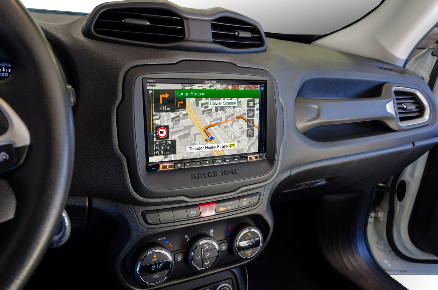 jeep renegade cruscotto con sistema multimediale alpine x-801d