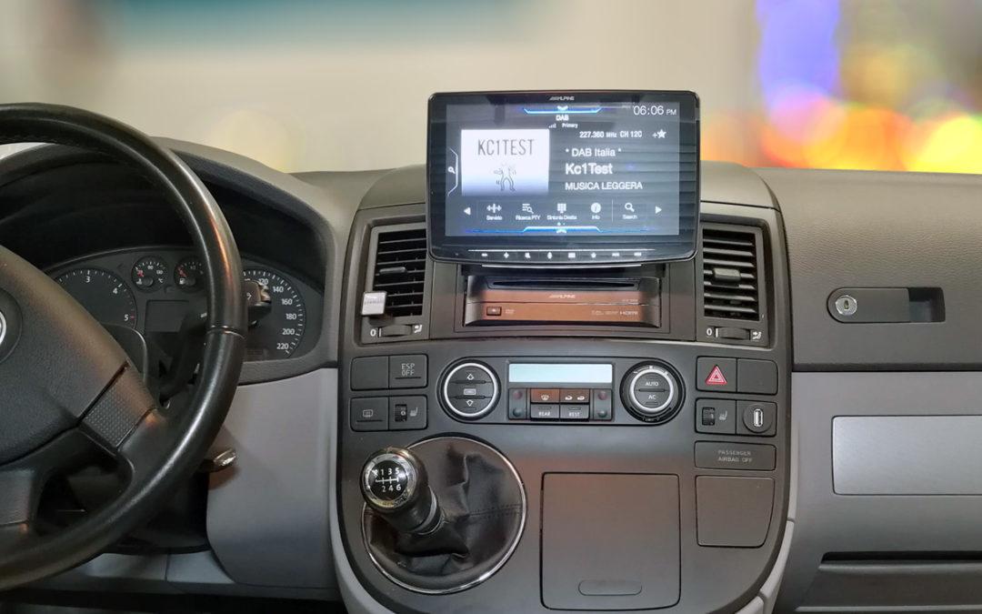 Volkswagen Caravelle tecnologico.